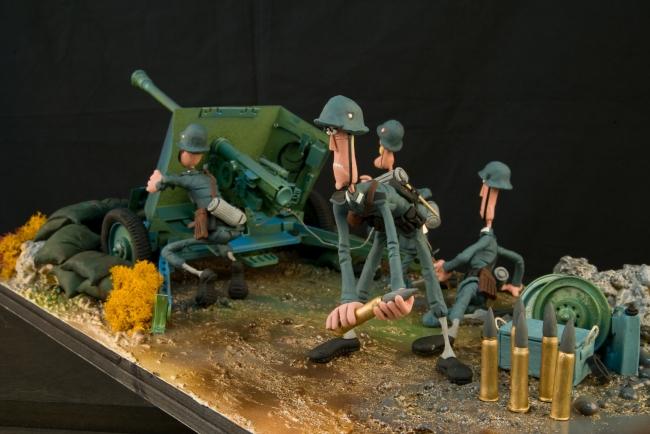Plastihistoria de la humanidad: La II Guerra Mundial — Cortesía de Arthemisia España