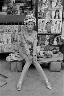 Joana Biarnés, Modelo con un peinado del peluquero Rapel, Madrid, 1967 — Cortesía del Centre d'Art Tarragona
