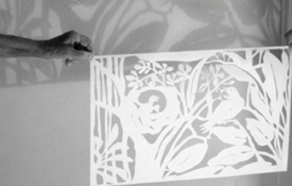 Colectivo Lunamar. Proyecto Trazos: Desembocadura del río Manzanares, 2013. Dibujo sobre papel, papel recortado, video. 6 dibujos de 35 x 24 cm. c/u