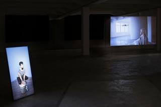 26 mil años luz. Vista de exposición @ Joan Prats Warehouse.