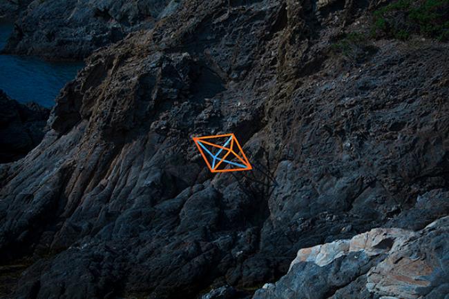 Diego Ferrari, Línea - Relaciones dimensionales. Cap de Creus, 2019 — Cortesía de Pigment Gallery