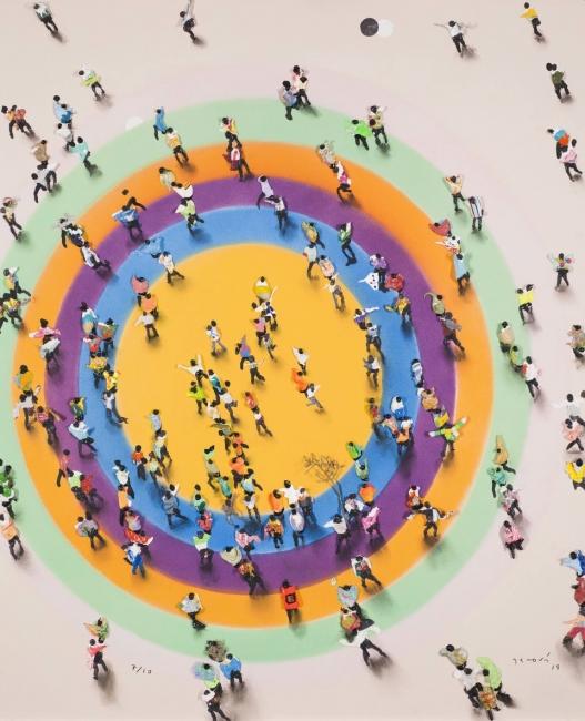 Galería Benlliure, Juan Genovés, Arpegio 2019, Edición 7 de 10, Giclée (estampación digital) en papel Hahnemühle Photo Rag 500 gm2, 74x60 cm. — Cortesía de la Asociación de Galerías de Arte Contemporáneo de la Comunidad Valenciana (LaVAC)
