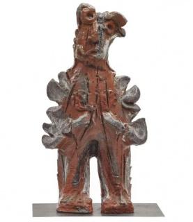 """Alejandro Santiago (Teococuilco de Marcos Pérez, Oaxaca, 1964 – México, 2013). """"Mujer migrante"""", 2012 Bronce, Ed. P.A., 52 x 25 x 19 cm Colección Ralli — Cortesía del Museo Ralli Marbella"""