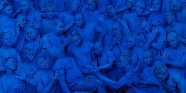 Liu Bolin, Blue Europe, 2015, cortesía galería Boxart, Verona — Cortesía de Arthemisia