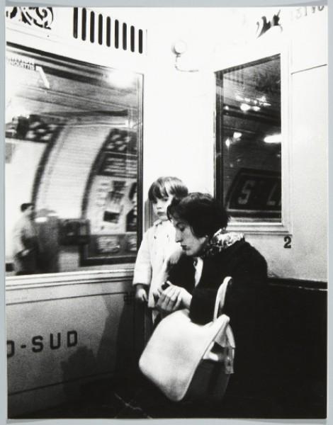 Leonardo Cantero. Sin título. De la serie «Gentes de París». 1962 © Leonardo Cantero, Museo Nacional Centro de Arte Reina Sofía