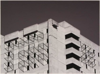 Evandro Soares, S/título, impressão, tinta mineral s/papel de algodão, metal e sombra projetada, 55x73 cm., 2018 – Cortesía de Trema Arte Contemporânea
