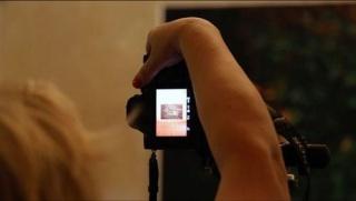 Still del vídeo The (Invisible) art of Documenting Art Cristina Garrido. Ela Bilakowska, Palazzo Bentivoglio (Bolonia, Italia, 2018) — Cortesía del Centro Botín