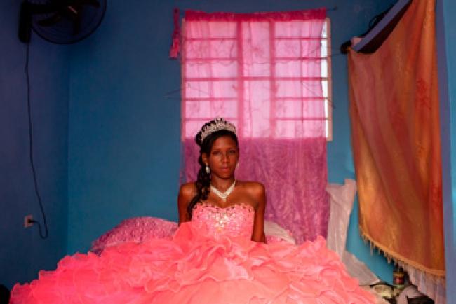 Diana Markosian. Sobre el arcoiris, La Habana, Cuba. 2018 © DIANA MARKOSIAN / MAGNUM PHOTOS, COURTESY OF THE ELLIOTT ERWITT HAVANA CLUB 7 FELLOWSHIP — Cortesía del Festival PHotoEspaña