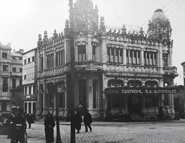Antigo Edificio Castromil en Santiago de Compostela — Cortesía de Francisco Ramallo