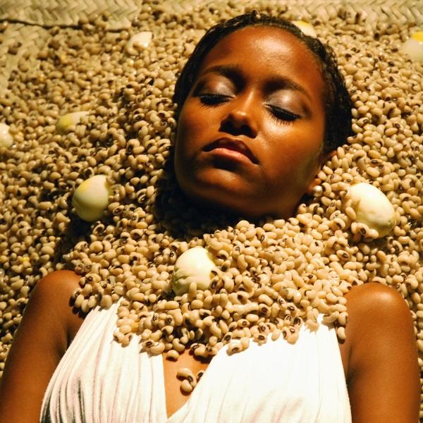 Ayrson Heráclito Bori – Oxum, 2008. Photograph, H: 100 cm; W: 100 cm © Ayrson Heráclito