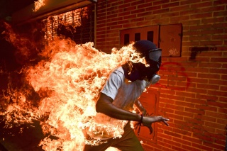 Venezuela Crisis © Ronaldo Schemidt, Agence France-Presse – Cortesía de World Press Photo