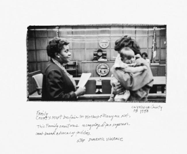 Donna Ferrato. Fin de la violencia doméstica. Condado de Cuyahoga, Ohio 1998 © DONNA FERRATO  — Cortesía del Festival PHotoEspaña