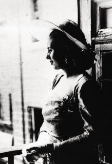 Evita en el palacio de El Escorial. 1947. INIHEP-Museo Evita