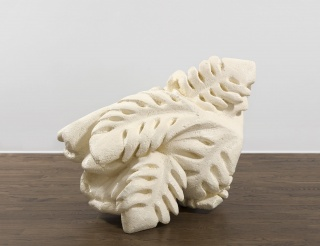 Naufus Ramírez-Figueroa, Untitled, 2017, polystyrene and resin, 34 5/8 × 44 1/8 × 36 1/4 in. Imagen cortesía Mendes Wood DM