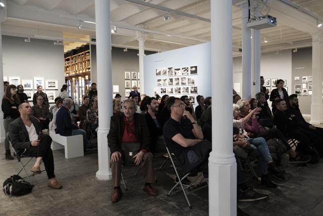 Instalación EXCESSOCENUS de Cristina De Middel y Bruno Morais