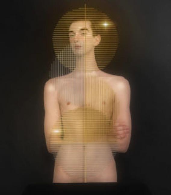 Filip Custic, Autorretrato filip wearing Erich Borchert, 2018, 262x300 — Cortesía de La Térmica