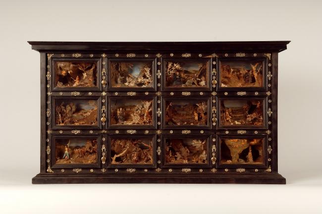 Escritorio con escenas de eremitas, segunda mitad del sg. XVII. Museo Nacional de Escultura — Cortesía del Museo Nacional de Escultura