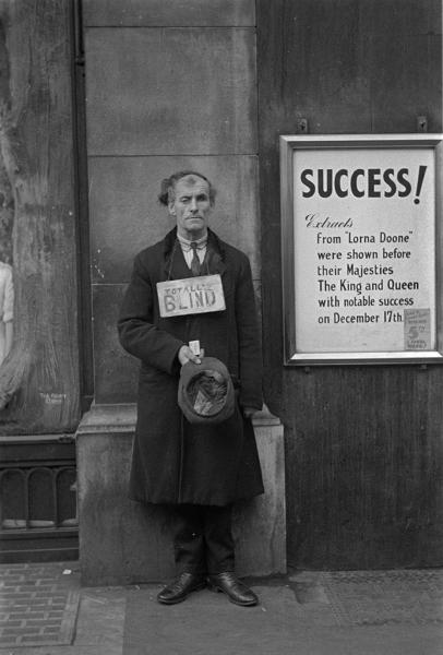 Horacio Coppola, Success, London, Gelatin silver print, vintage copy, 1934