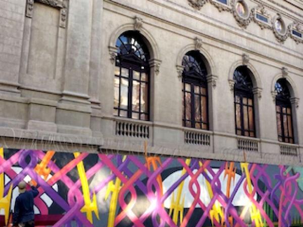 Trabajo mural en la fachada MNBA