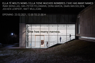 Ella té molts noms / Ella tiene muchos nombres