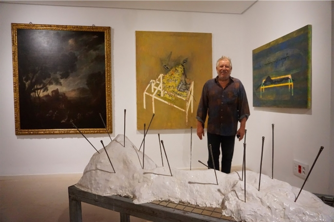 El pintor Horacio Sapere a l'exposició del Museu de Mallorca — Cortesía de Tracalics Gestió Cultural