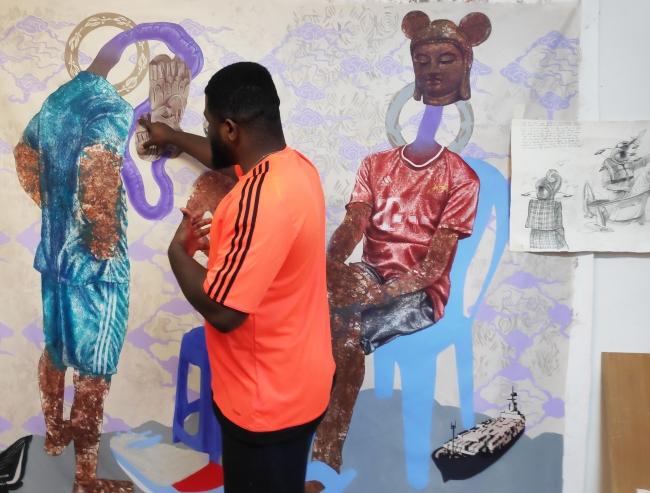 Hilaire Kuyangiko Balu en el estudio