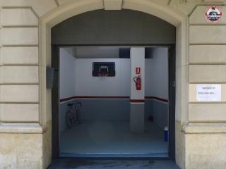 Se vende plaza de parking, installation view at Galeria Estrany-de la Mota, Barcelona, 2016