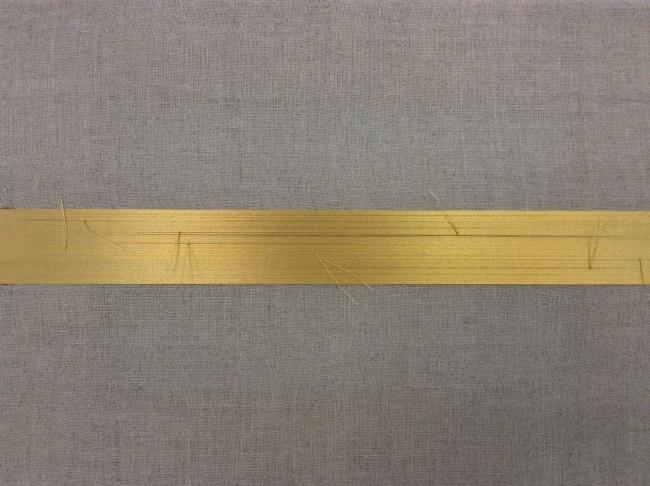 """Repairing The Golden Horizon II"", 2017. Anna Talens // Hilo Urushi, madera y lino. 22x30 cm."