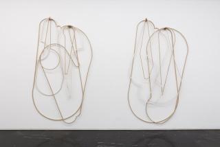 Fuentesal & Arenillas, S.T. l (Periplo) / S.T. II (Periplo), 2018. Caoba, tablero de fibra de densidad media. 235x135x10 cm /235x132 x10 cm. — Cortesía de la galería Luis Adelantado