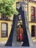 Corinne van Bergen. Arco, 1998-2002. Vista en la plaza Torres de Omaña (León). Foto: Jesús Castrillo  — Cortesía del MUSAC