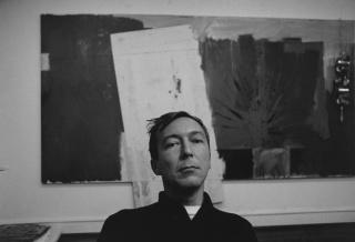 """Ugo Mulas, """"Jasper Johns"""" — Cortesía de Parra & Romero"""