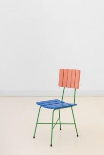 ©João Marçal, Dead Zone, Acrílico sobre madeira, esmalte sobre ferro, 38 x 47 x 87 cm — Cortesía de la Galeria Quadrado Azul