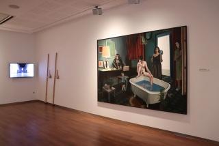 """Vista de la exposición """"XIII Certamen Unicaja de Artes Plásticas"""" — Cortesía de la Fundación Unicaja"""