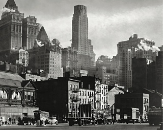 Berenice Abbott  West Street, 1932  International Center of Photography Purchase, with funds provided by the National Endowment for the Arts and the Lois and Bruce Zenkel Purchase Fund, 1983 (388.1983)  © Getty Images/Berenice Abbott