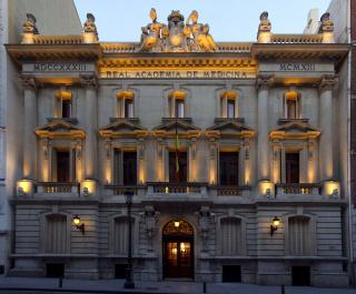 Fachada de la sede de la RANME en la calle Arrieta, 12, Madrid — Cortesía de la Real Academia Nacional de Medicina