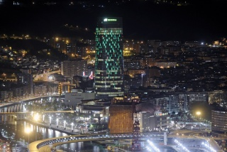 Torre Iberdrola se convierte en un Palo de Lluvia - Cortesía Colección Iberdrola