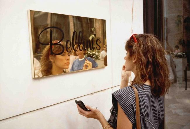 Anthony Hernandez Rodeo Drive #3, 1984, impresión de 2014 Copia en cibachrome, 16 × 20 in (40,6 × 50,8 cm) Cortesía del artista © Anthony Hernandez Cortesía de la Fundación MAPFRE