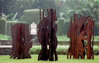 """Esculturas da série """"Natureza inventada"""""""