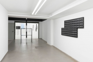 Mounir Fatmi. The Observer Effect — Cortesía de ADN Galeria