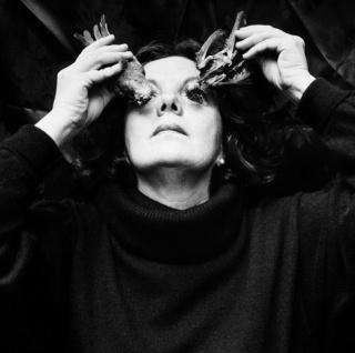 Graciela Iturbide, ¿Ojos para volar?, Coyoacán, México, 1991. Platino. Colecciones Fundación MAPFRE © Graciela Iturbide, 2018 — Cortesía de la Fundación Barrié