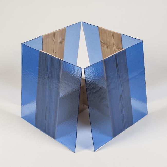 Francisco Tropa, Terra Platónica, 2013, 60 x 60 x 60 cm. — Cortesía de Maisterravalbuena