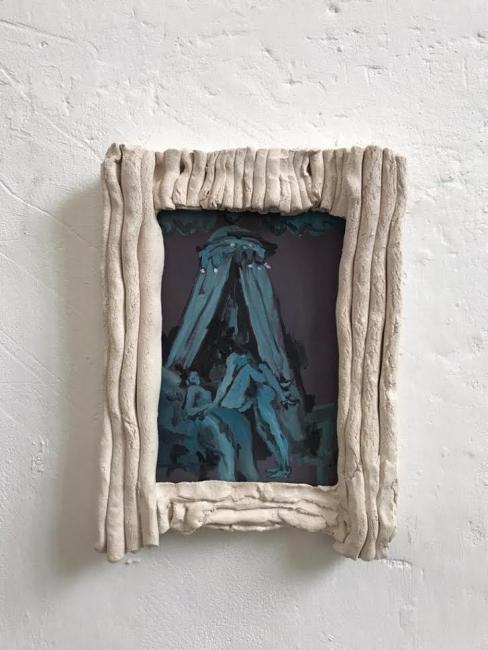 EMILIANO MAGGI © Atelier (first scene), 2020. Ceramica y óleo sobre lienzo. 41 x 30 x 6 cm. — Cortesía de Revolver Galería