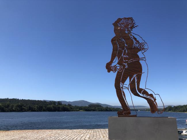 Escultura de Zadok Ben-David