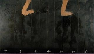 Antoni Tàpies   Díptic negre amb creus (1988)   Mixed media on wood   200 × 350 cm — Cortesía de la Galería Mayoral