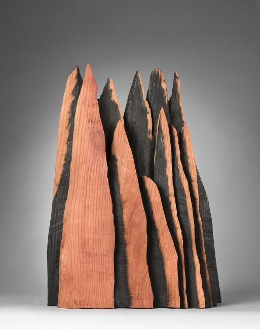 """Obra """"Red Peaks"""" (2014), del artista David Nash"""