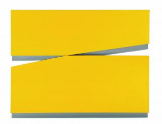 Carmen Herrera. Amarillo uno (Yellow 1), 1971, acrylic on plywood. © Carmen Herrera, courtesy Lisson Gallery & Museum of Fine Arts Houston (MFAH)