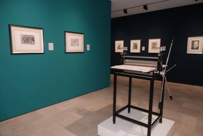 Picasso, El pintor de grabados. El aguatinta — Cortesía de la Fundacion Pablo Ruiz Picasso - Museo Casa Natal