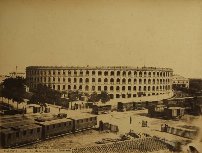 Jean Laurent. Plaza de toros de Valencia - Archivo José Huguet — Cortesía de la Fundación Railowsky