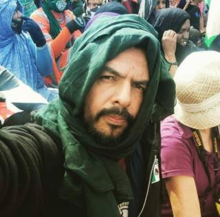 César Oropeza en el Sáhara — Cortesía del artista