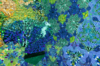 Cogollo de toronjil (2018) de Magdalena Atria, plasticina, 200 x 700 cm. — Cortesía del Museo de Artes Visuales (MAVI)